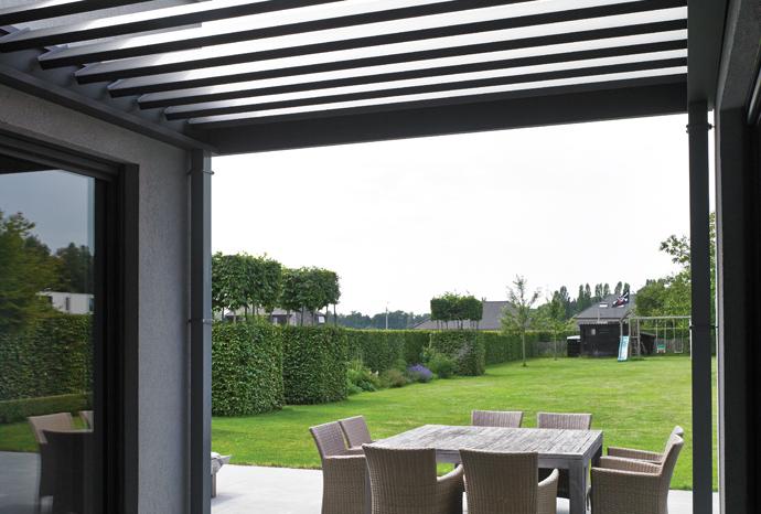 Exemple de configuration d'une toiture terrasse bioclimatique Algarve Roof de Renson