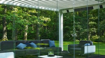 Pergola Bioclimatique Renson avec panneaux coulissants en verre